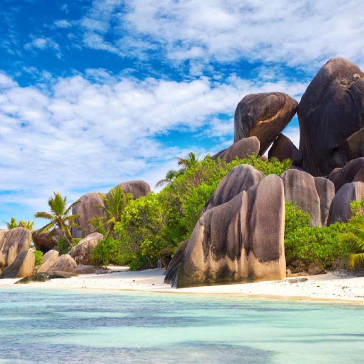 anse-source-d-argent-la-digue-seychelles-123rf
